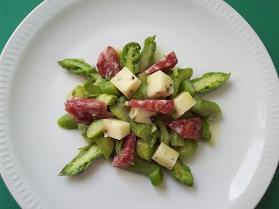 menu de p ques 1 insalata di asparagi salame e fiore romano un d jeuner de soleil. Black Bedroom Furniture Sets. Home Design Ideas