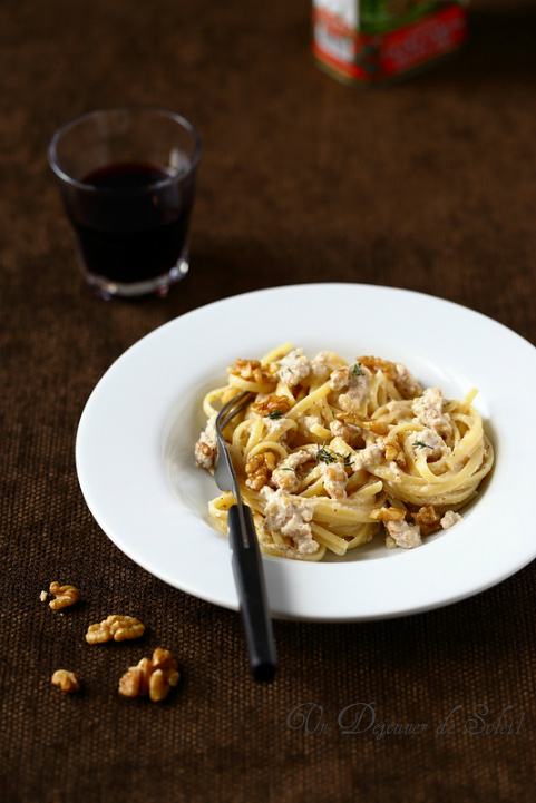 Linguine pasta sauce noix salsa noci recette