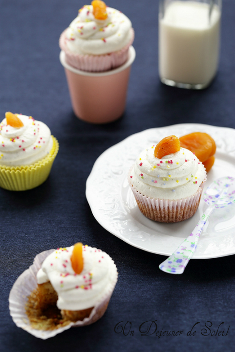 cupcakes abricots secs marrons creme fouettee recette