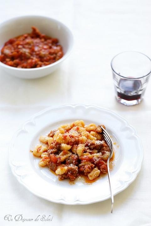 Pâtes sardes au ragù de saucisse, fenouil et pecorino