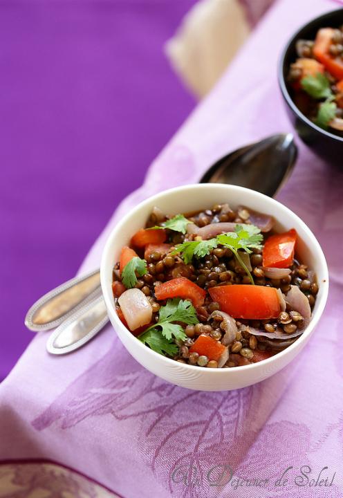 salade marocaine de lentilles oignons et tomates un. Black Bedroom Furniture Sets. Home Design Ideas