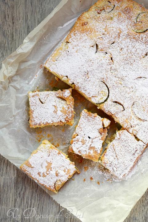 Gâteau moelleux aux courgettes