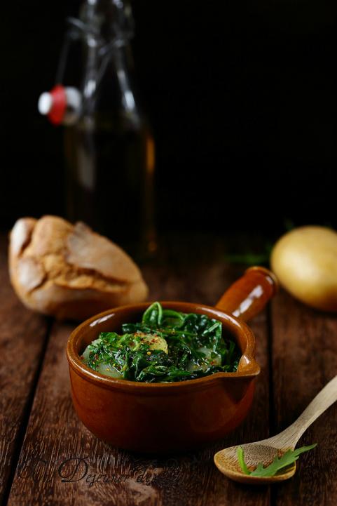 Pancotto des Pouilles : soupe de pain, pommes de terre et roquette