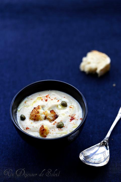 Soupe de chou-fleur rôti - Un déjeuner de soleil