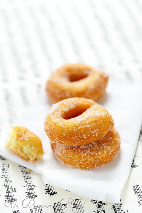 Beignets italiens au sucre (ciambelle ou zeppole)