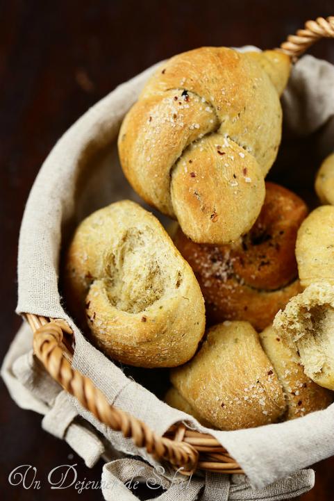 Pains moelleux à l'ail et aux herbes - Garlic bread