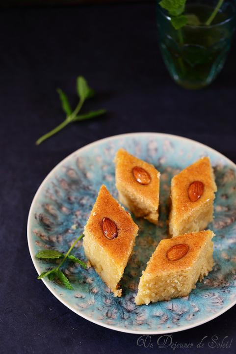 Namoura, gâteau de semoule et fleur d'oranger