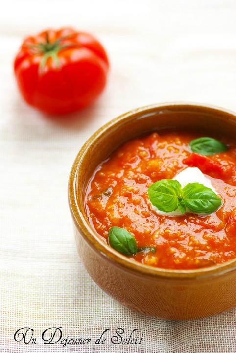 Pappa al pomodoro (soupe de tomates et pain de Toscane) - Tuscan tomatoes and bread soup