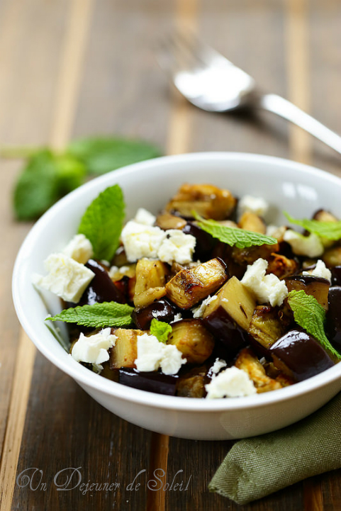 Salade d'aubergines rôties, feta et menthe - Roasted eggplants salad