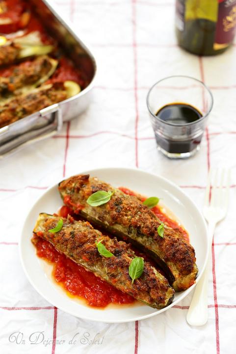 Courgettes farcies à la viande à la romaine - Stuffed zucchini