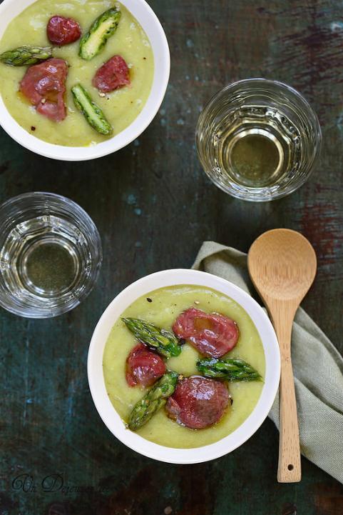 Velouté de pommes de terre, asperges et gésiers confits + vidéo