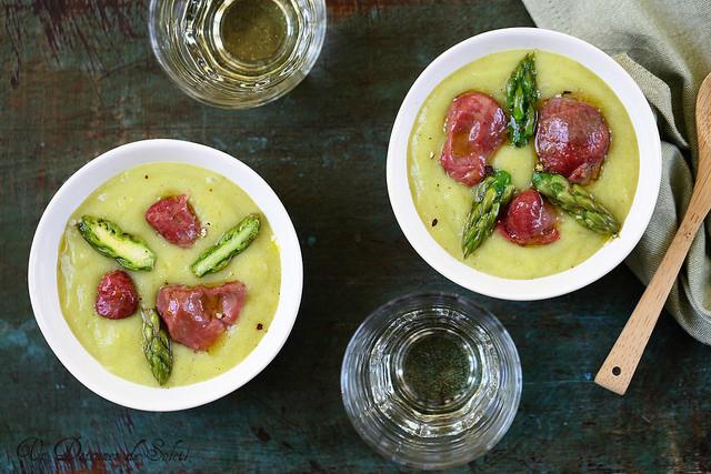 Soupe veloutée de pommes de terre, asperges et gésiers de volaille confits + vidéo