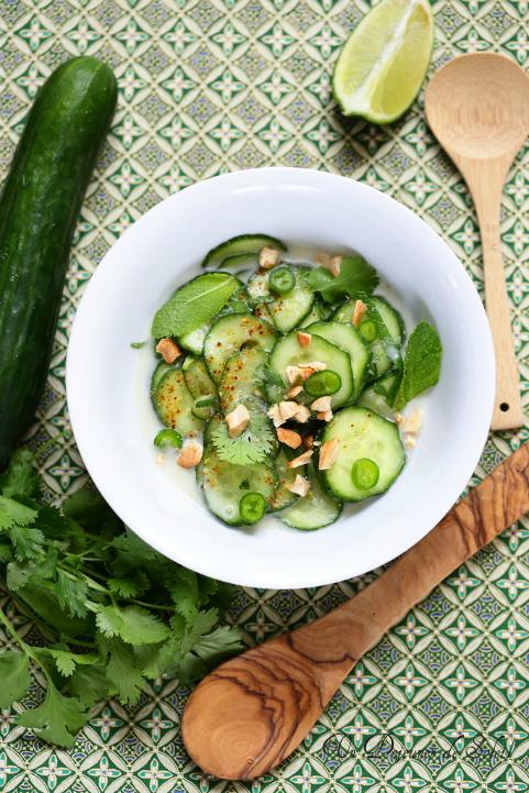Salade thaïe de concombre (au gingembre et coco)