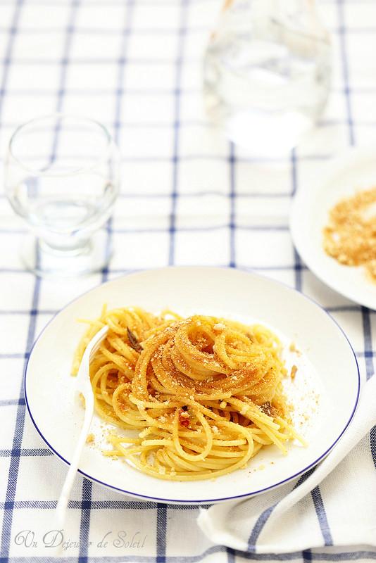 Pasta con la mollica (pâtes à la chapelure comme au sud de l'Italie)