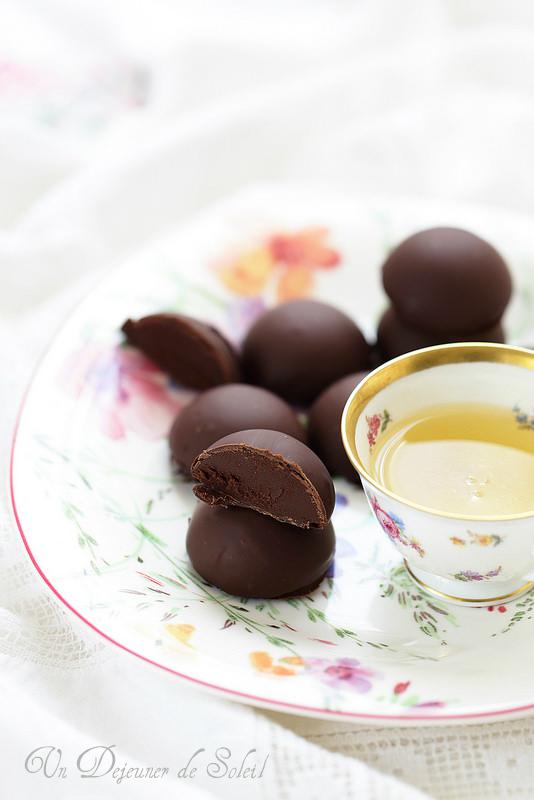 Chocolats maison à la ganache au thé et fleur d'oranger