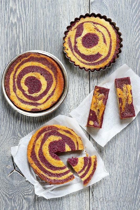 Gâteau zébré au citron et aux fruits rouges