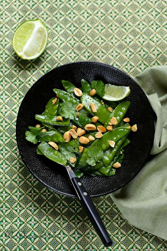 Salade de pois gourmands à la thaïlandaise (citron vert et cacahouètes)