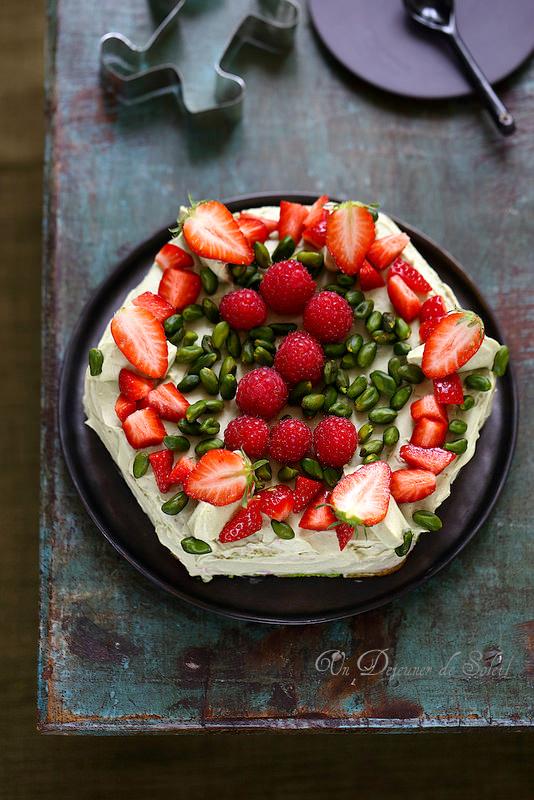 Gâteau à étages framboise pistaches facile