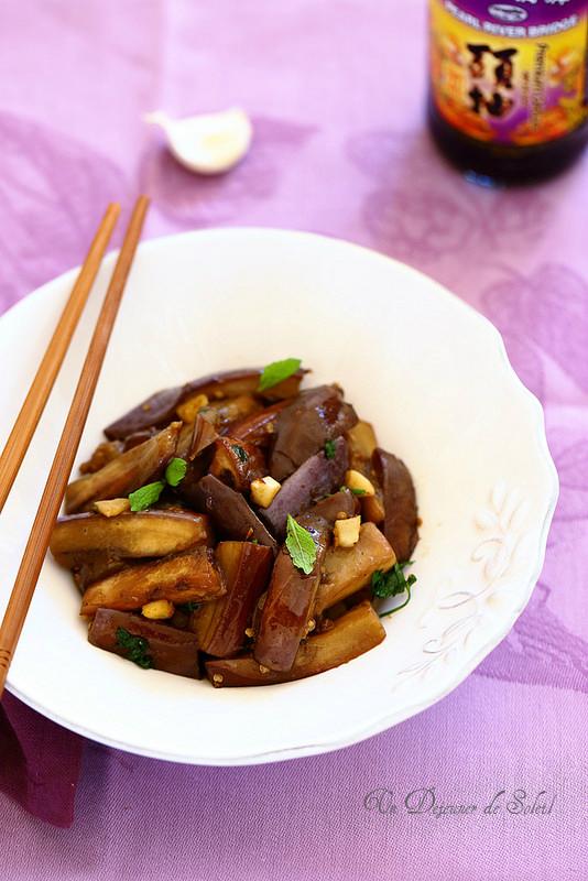 Aubergines sautées à la sauce soja à la chinoise