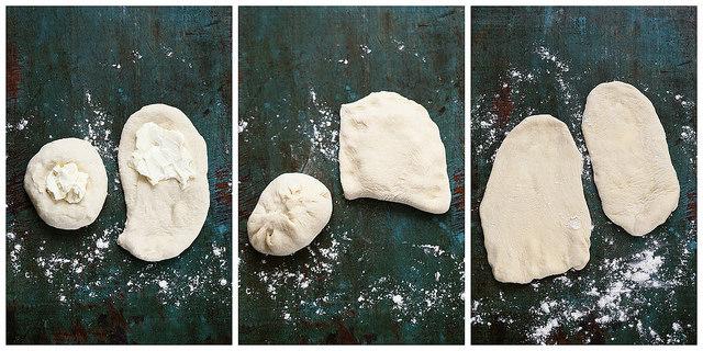 Cheese naans (pas à pas) : méthode garniture