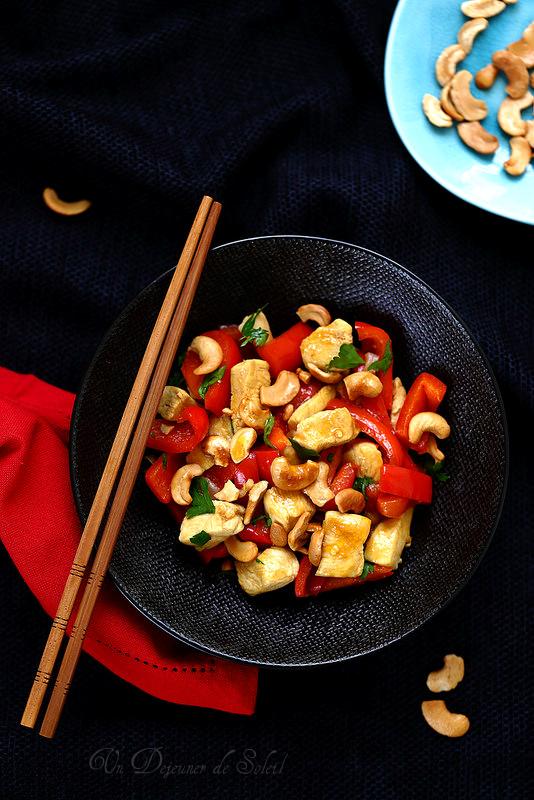Poulet sauté aux poivrons et aux noix de cajou à la thaïlandaise