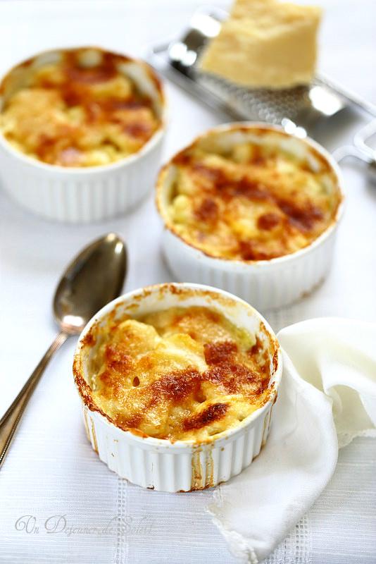 Vingt cinq recettes de garnitures (gratin de pommes de terre au parmesan)