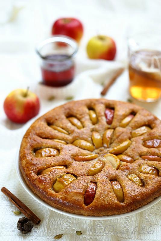 Gâteau moelleux aux pommes, mascarpone et siroo d'épices