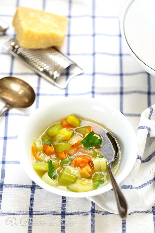 Cinq astuces pour améliorer vos soupes. Potage au trois légumes
