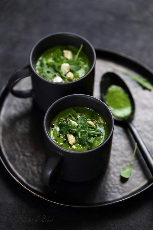 Cinq astuces pour améliorer vos soupes. Soupe de courgettes et roquette