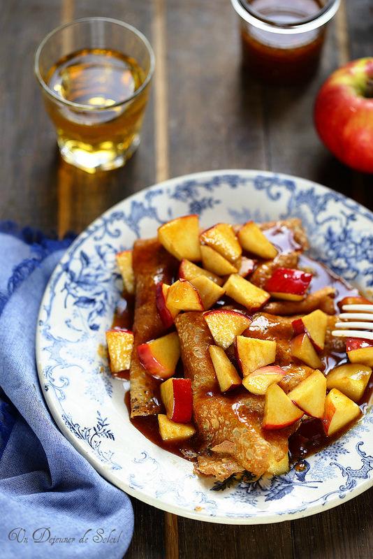 Crêpes aux pommes sauce caramel beurre salé et cidre