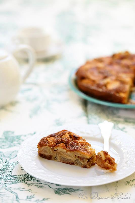 Gâteaux et tartes aux pommes : vingt recettes. Gâteau moelleux pommes
