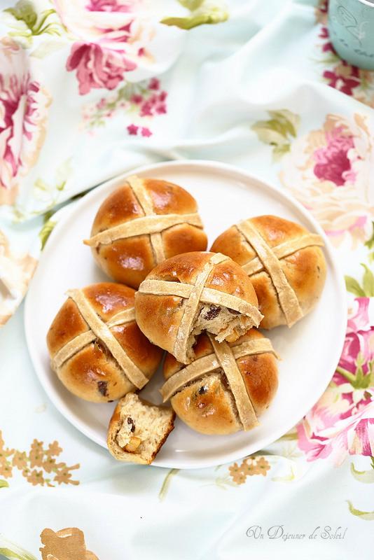 Hot cross buns (petits pains sucrés de Pâques)