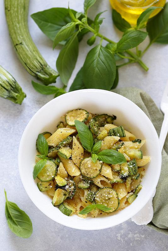 Pâtes aux courgettes (pasta alle zucchine)