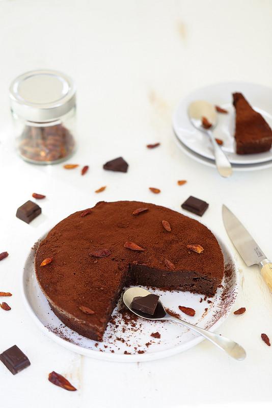 Fondant au chocolat, huile d'olive et piment (sans gluten)