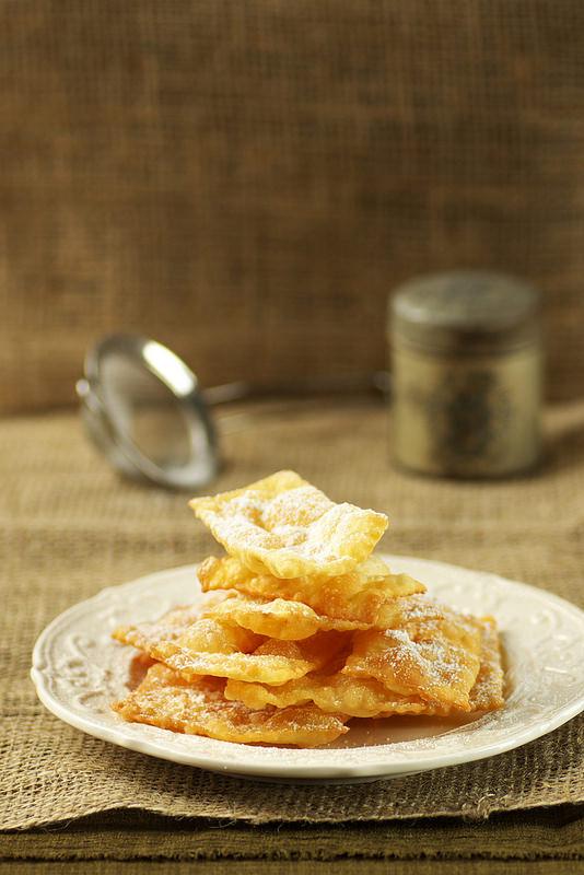 Quinze recettes pour mardi gras (carnaval). Bugnes, beignets...