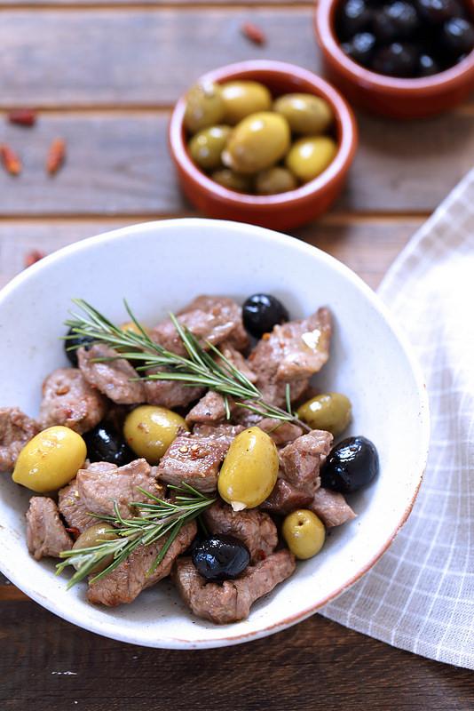 Agneau aux olives à l'italienne, facile, rapide et parfaite pour Pâques
