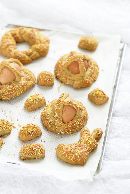 Biscuits italiens : cuddura, pupi cu l'ova, cuzzuppa typiques de Pâques