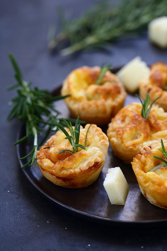 Quiche au fromage et confit d'oignon, recette facile et rapide