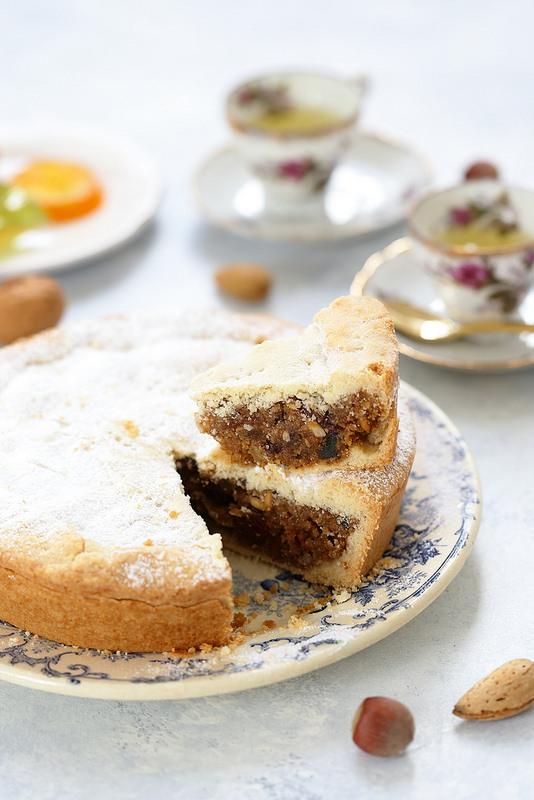 Spongata, tarte italienne aux fruits secs et confits typique de Noël