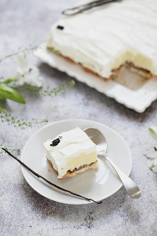 Entremets tout vanille dacquoise croustillant creme vanille ganache montée recette facile
