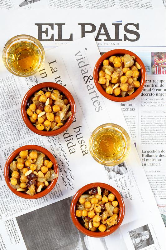 Salade de pois chiches à l'espagnole. Tapas facile et delicieux
