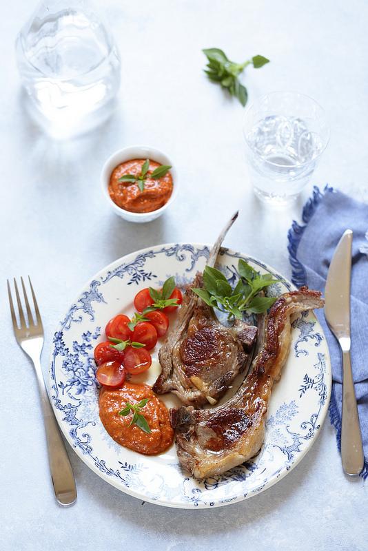 Cotes agneau poele sauce tomates confites recette facile