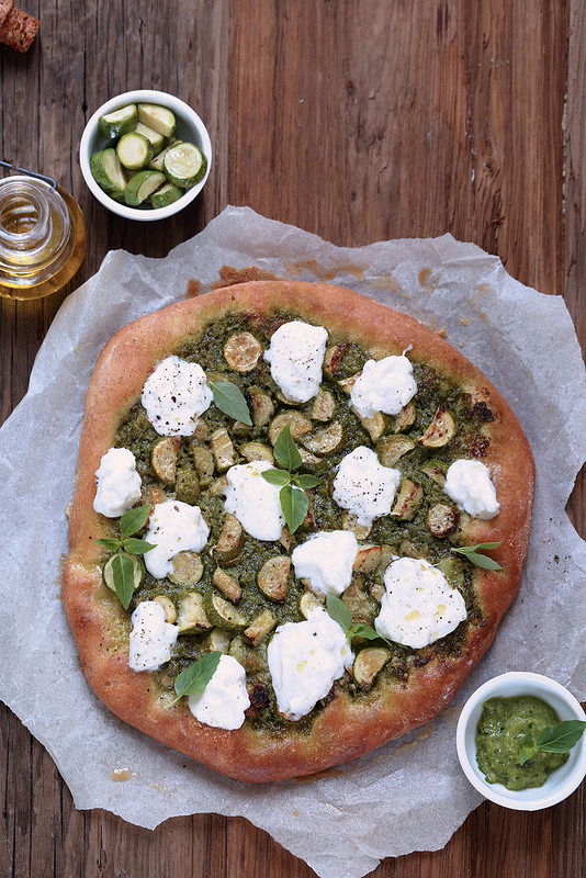 Pizza vegetarienne courgettes burrata