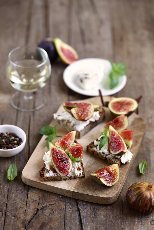 Crostinis tartines chèvre frais figues