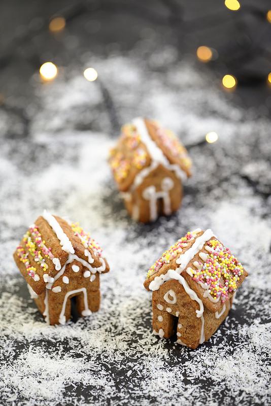 Mini maisons en pain d'épices pour garnir vos tasses recette