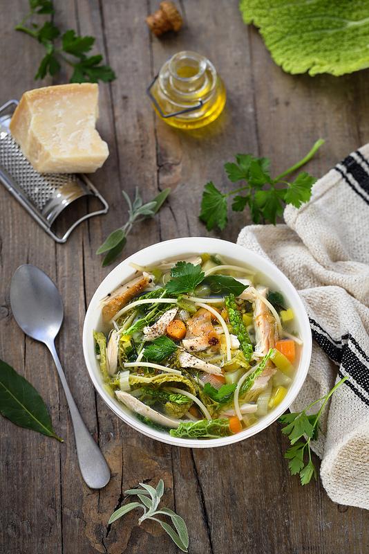Minestrone italien légumes hiver poulet recette légère