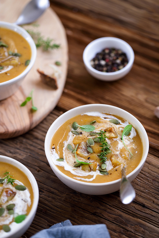 Soupe courge butternut et châtaignes recette végétarienne