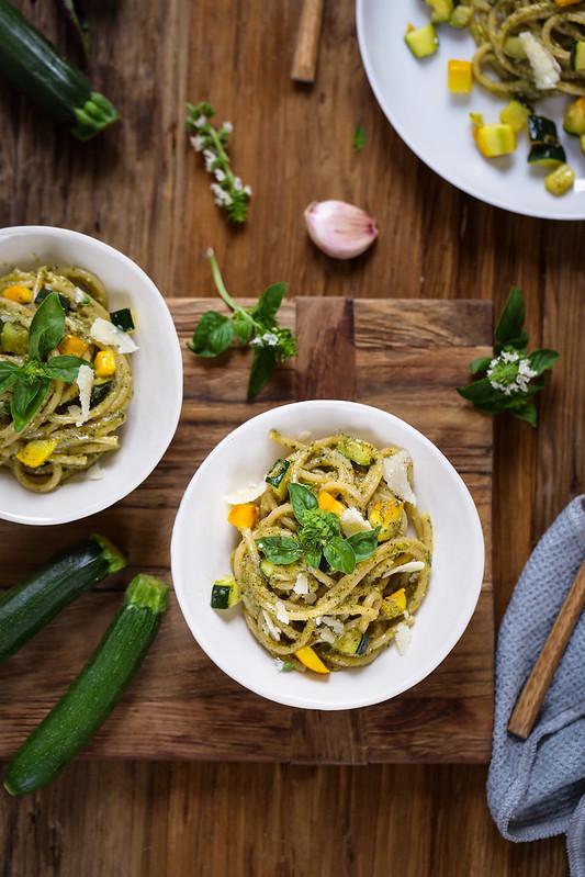 Pâtes au pesto de courgettes - Recette italienne - Un déjeuner de soleil