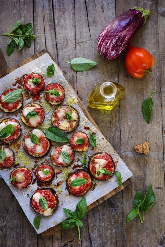 Pizza d'aubergines (sans pâte) - Recette italienne - Un déjeuner de soleil