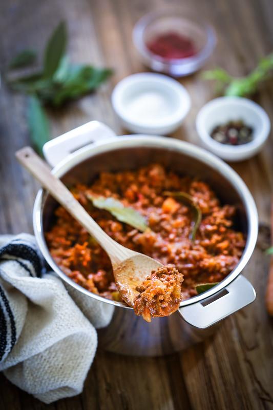 Sauce à la bolognaise, la véritable - Recette italienne et vidéo - Un déjeuner de soleil